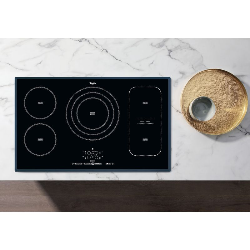Whirlpool-Piano-cottura-ACM-795-BA-Nero-Induction-vitroceramic-Lifestyle-frontal