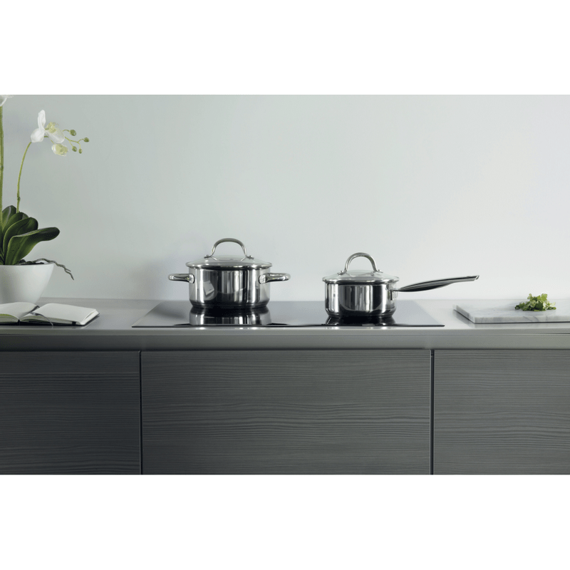 Whirlpool-Piano-cottura-SMO-654-OF-BT-IXL-Nero-Induction-vitroceramic-Lifestyle-frontal-top-down