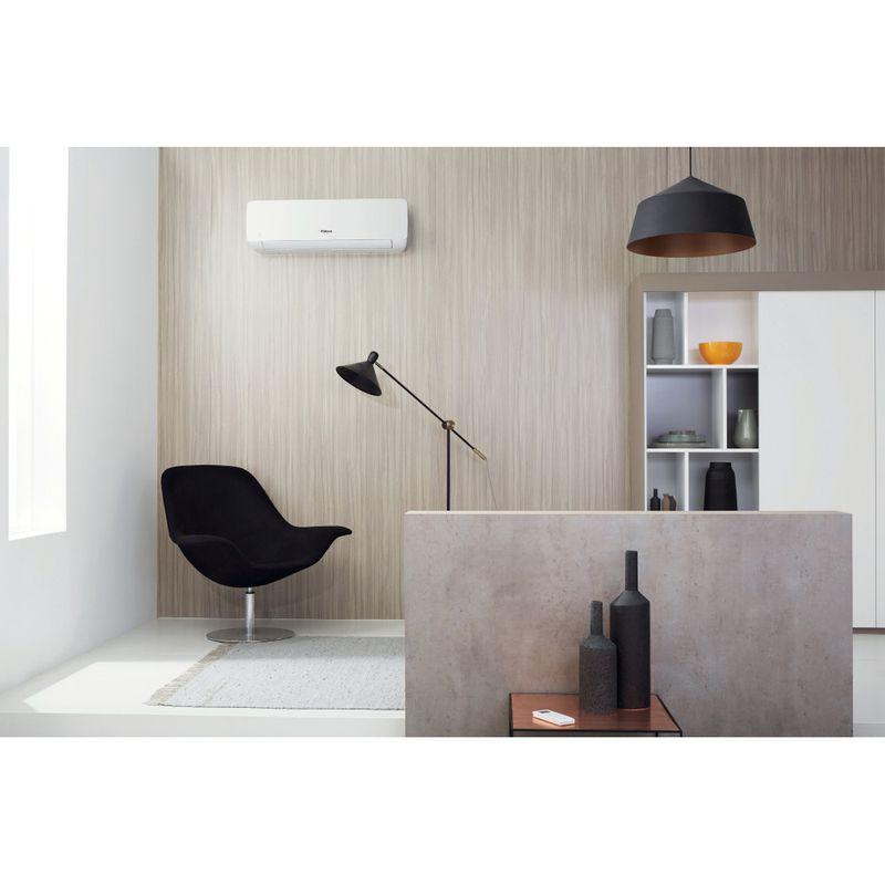 Whirlpool-Condizionatore-SPIW318A2WF-A---Inverter-Bianco-Lifestyle_Frontal