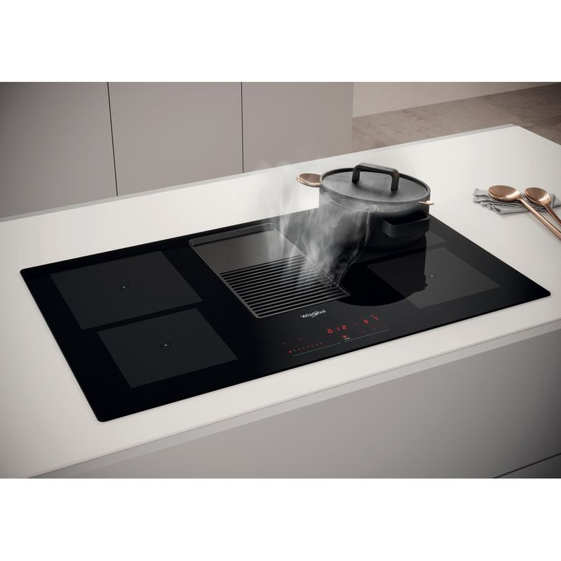 Whirlpool-Venting-cooktop-WVH-92-K-Nero-Lifestyle-perspective