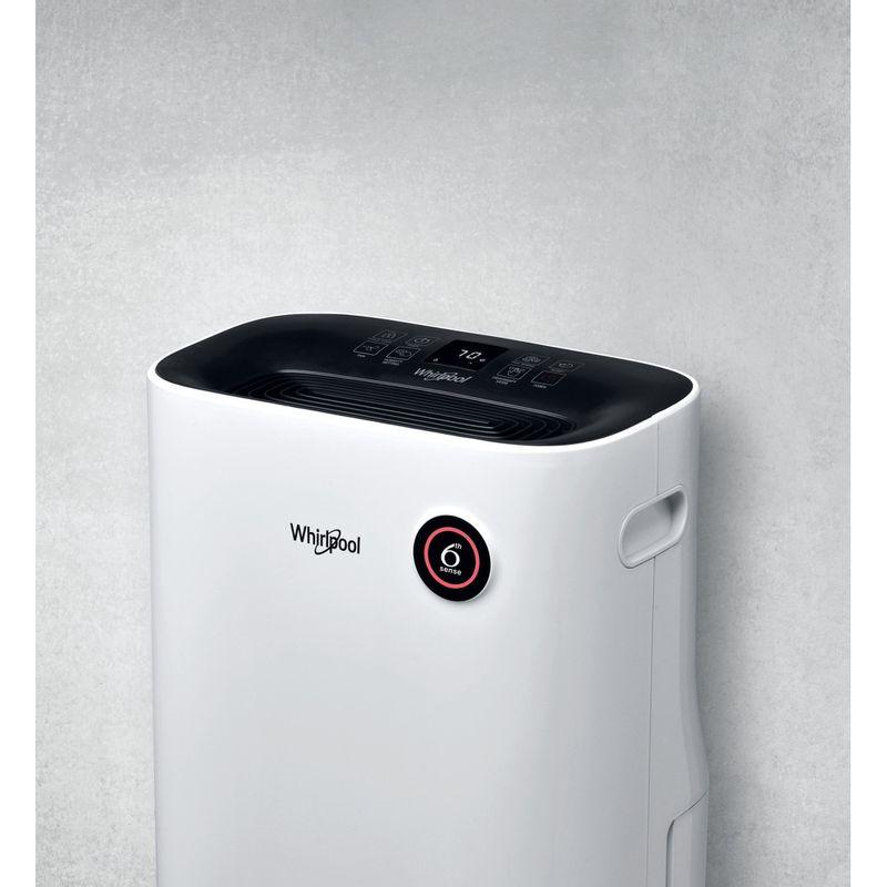 Whirlpool-Dehumidifier-DE20W5252-Bianco-Lifestyle-perspective