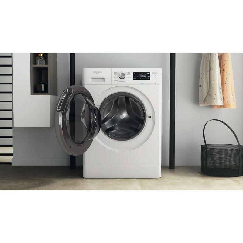 Whirlpool-Lavabiancheria-A-libera-installazione-FFB-9468-BSV-IT-Bianco-Carica-frontale-C-Lifestyle-frontal-open