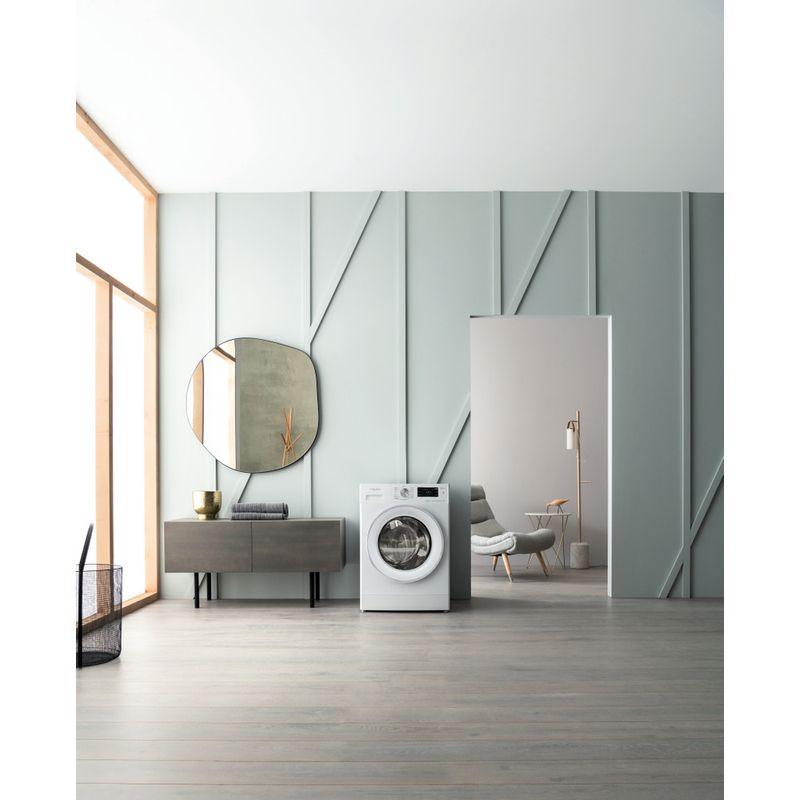 Whirlpool-Lavabiancheria-A-libera-installazione-FFB-7238-SV-IT-Bianco-Carica-frontale-D-Lifestyle-frontal