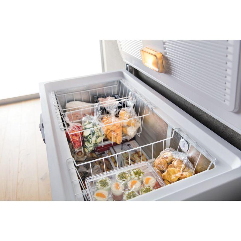 Whirlpool-Congelatore-A-libera-installazione-WHE39352-FO-Bianco-Lifestyle-perspective-open