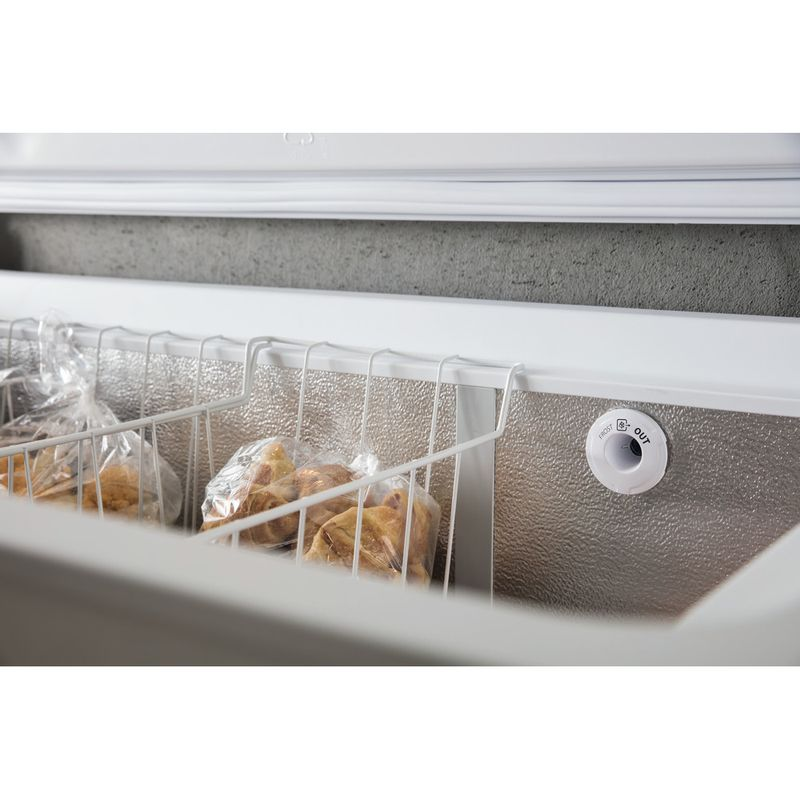 Whirlpool-Congelatore-A-libera-installazione-WHE39352-FO-Bianco-Lifestyle-detail