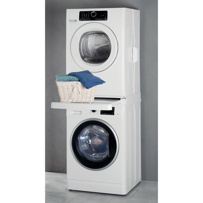 Whirlpool-DRYING-SKS101-Lifestyle-perspective-open