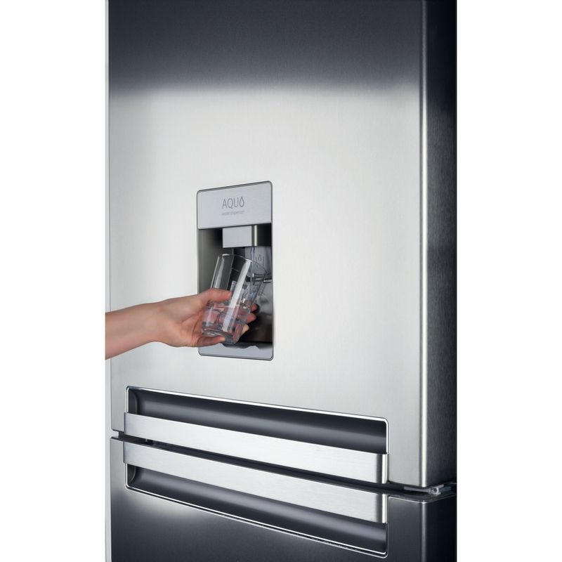 Whirlpool-COOLING-USC009-1-Lifestyle-people