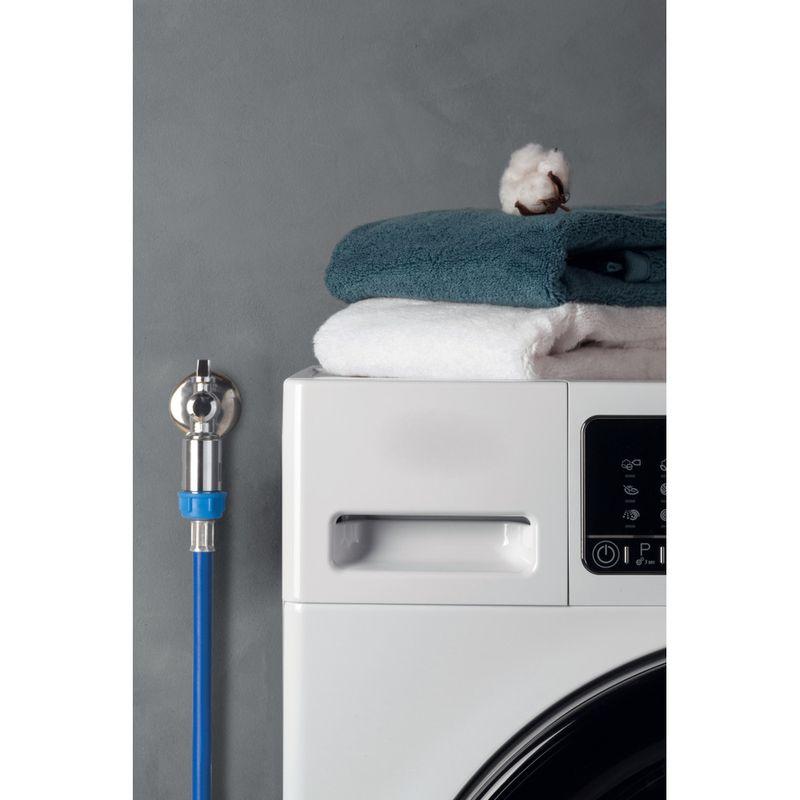 Whirlpool-WASHING-MWC014-Lifestyle-detail
