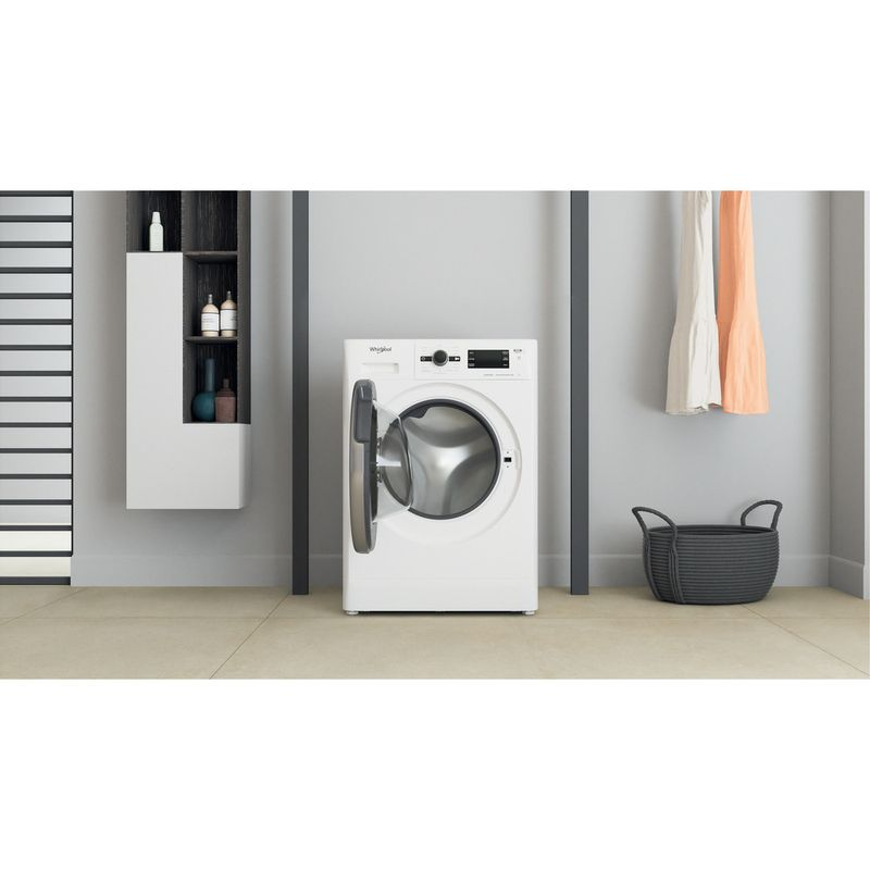 Whirlpool-Lavabiancheria-A-libera-installazione-FSB-723V-BS-IT-N-Bianco-Carica-frontale-D-Lifestyle-frontal-open
