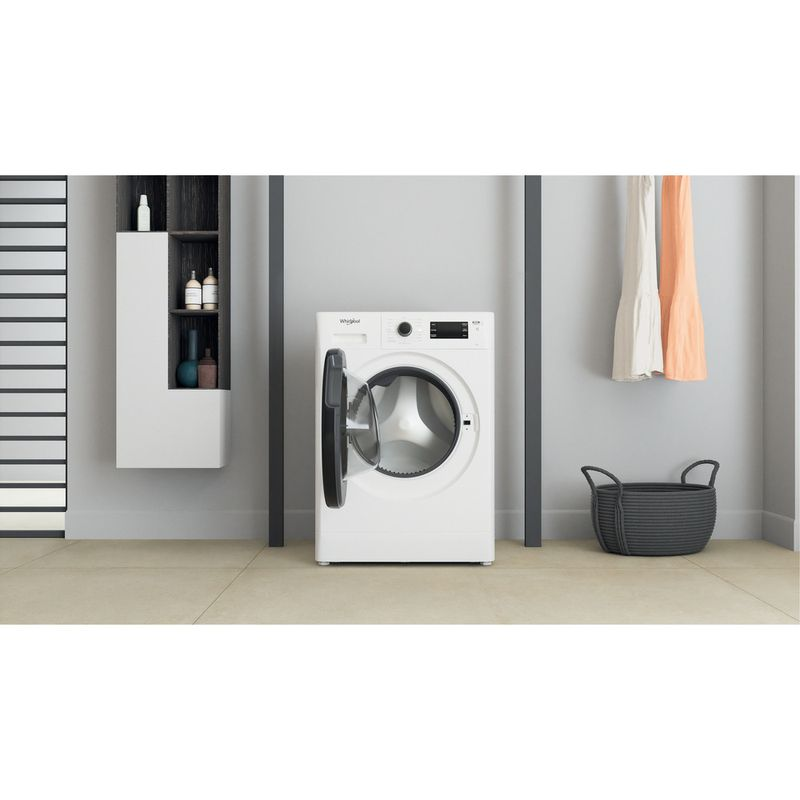 Whirlpool-Lavabiancheria-A-libera-installazione-FWSG-61251-B-IT-N-Bianco-Carica-frontale-F-Lifestyle-frontal-open